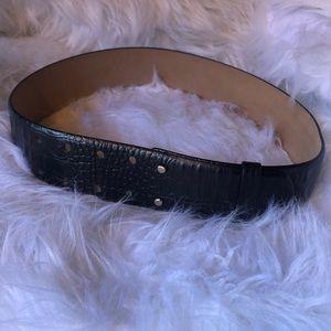Ann Taylor Black Leather Alligator Print Belt S